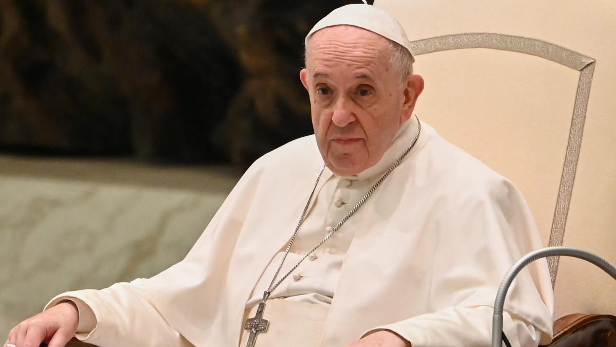 Papa Francisco dice que vacunarse contra el COVID-19 es un acto de amor