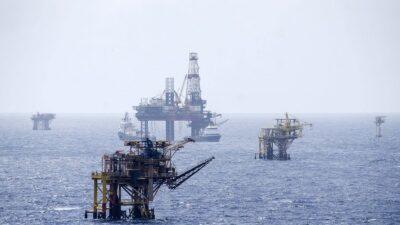 Pemex suspende producción de 421 mil barriles de petróleo crudo por incendio
