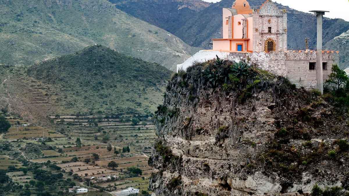 Puebla: El lugar con iglesias ocultas en montañas
