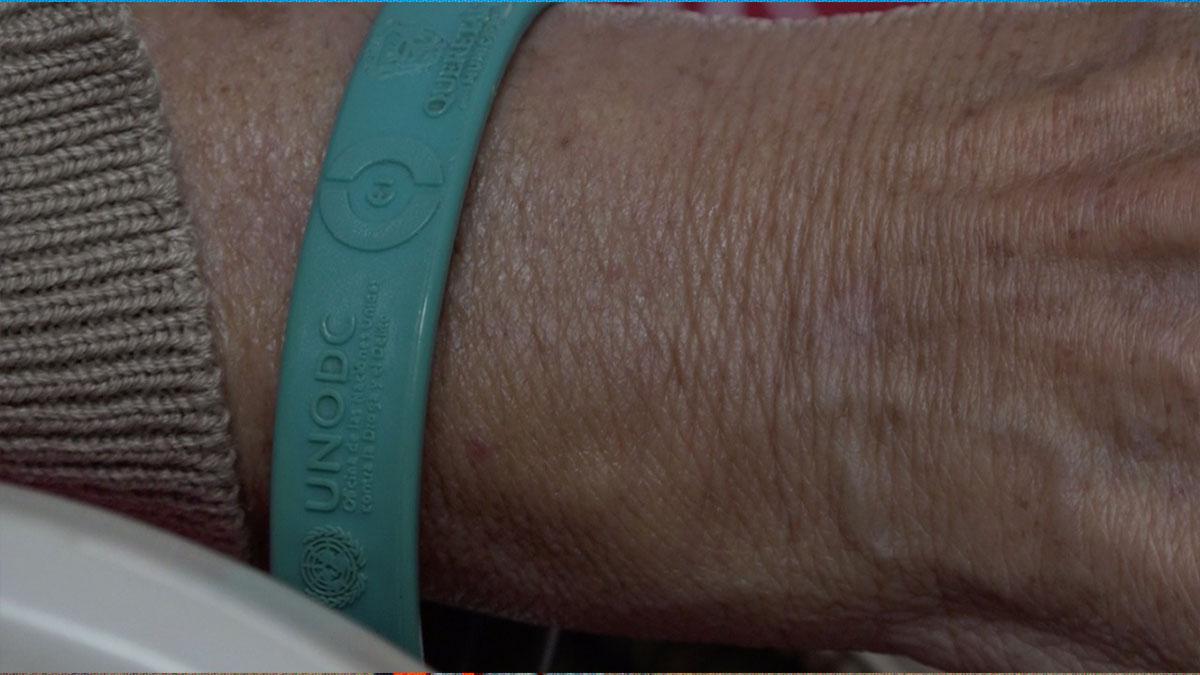 Querétaro: crean pulsera para localizar a adultos mayores