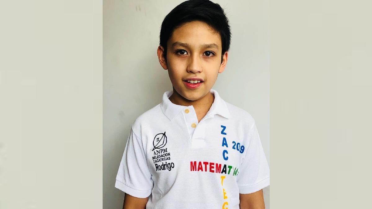 Rodrigo Saldívar gana oro en en Competencia Internacional de Matemáticas