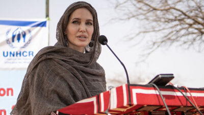 angelina jolie afganistán