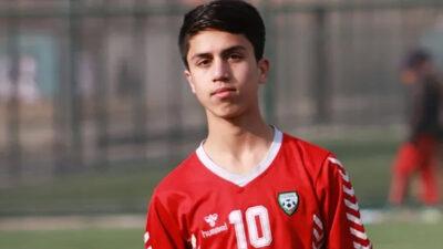 Joven futbolista, entre las víctimas que buscaban salir de Kabul en un avión