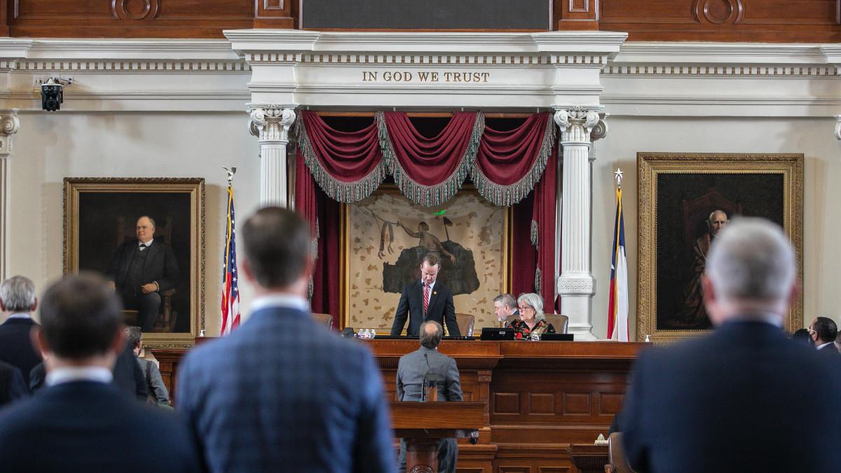 En Texas, más de 50 legisladores demócratas enfrentan órdenes de arresto