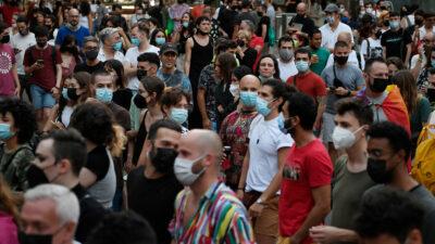 En España, justicia niega reinstaurar toque de queda en Barcelona