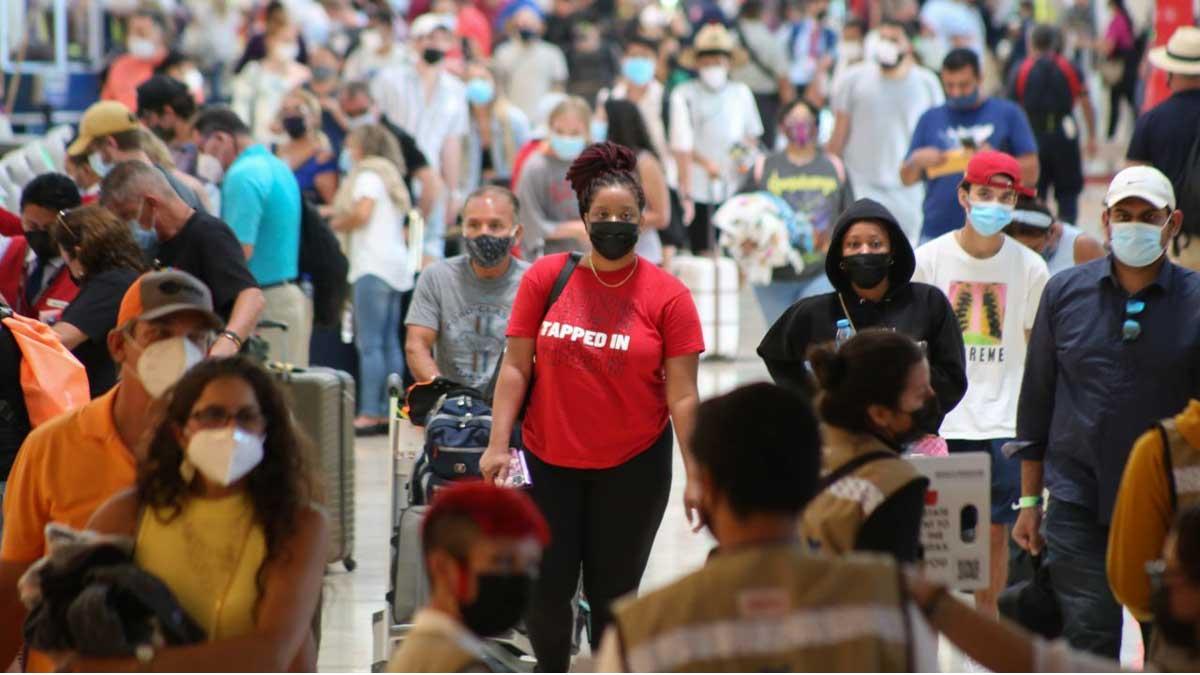 Inegi: turistas internacionales gastaron más de mil 900 millones de dólares en México