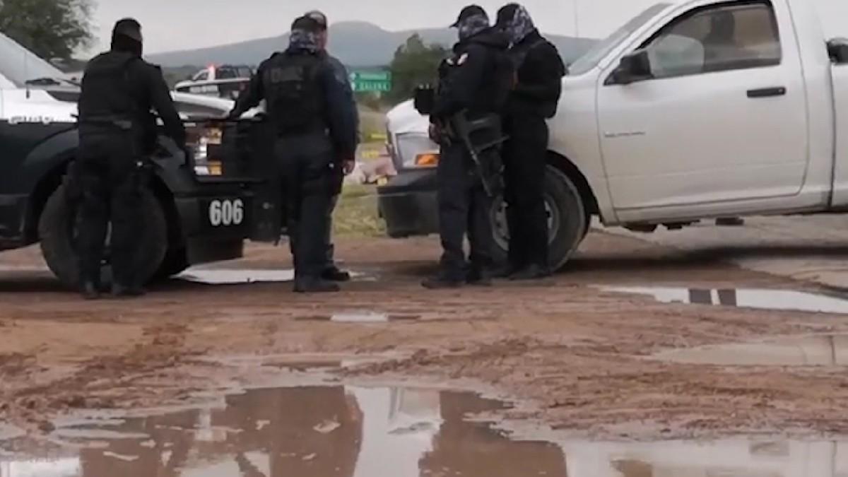 Zacatecas: Abandonan cuerpos frente a secundaria de Villa de Cos