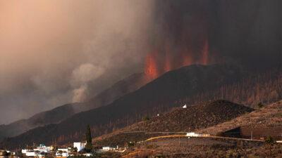España reabre Aeropuerto La Palma tras erupción de Volcán Cumbre Vieja