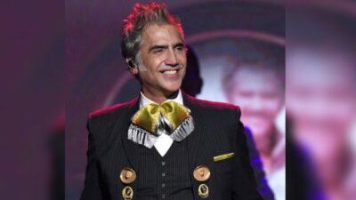 Alejandro Fernández causa revuelo felicitando a bella joven