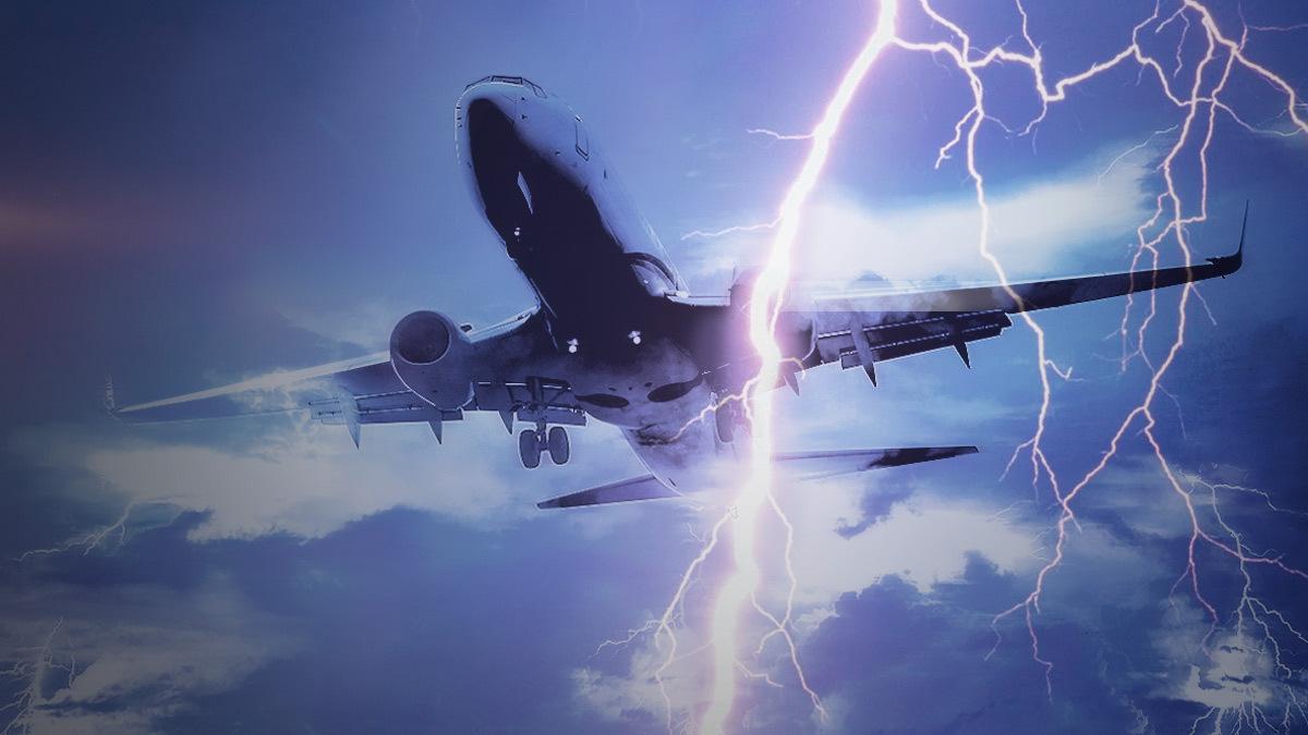Huracán Ida: captan momento en que avión lo atraviesa
