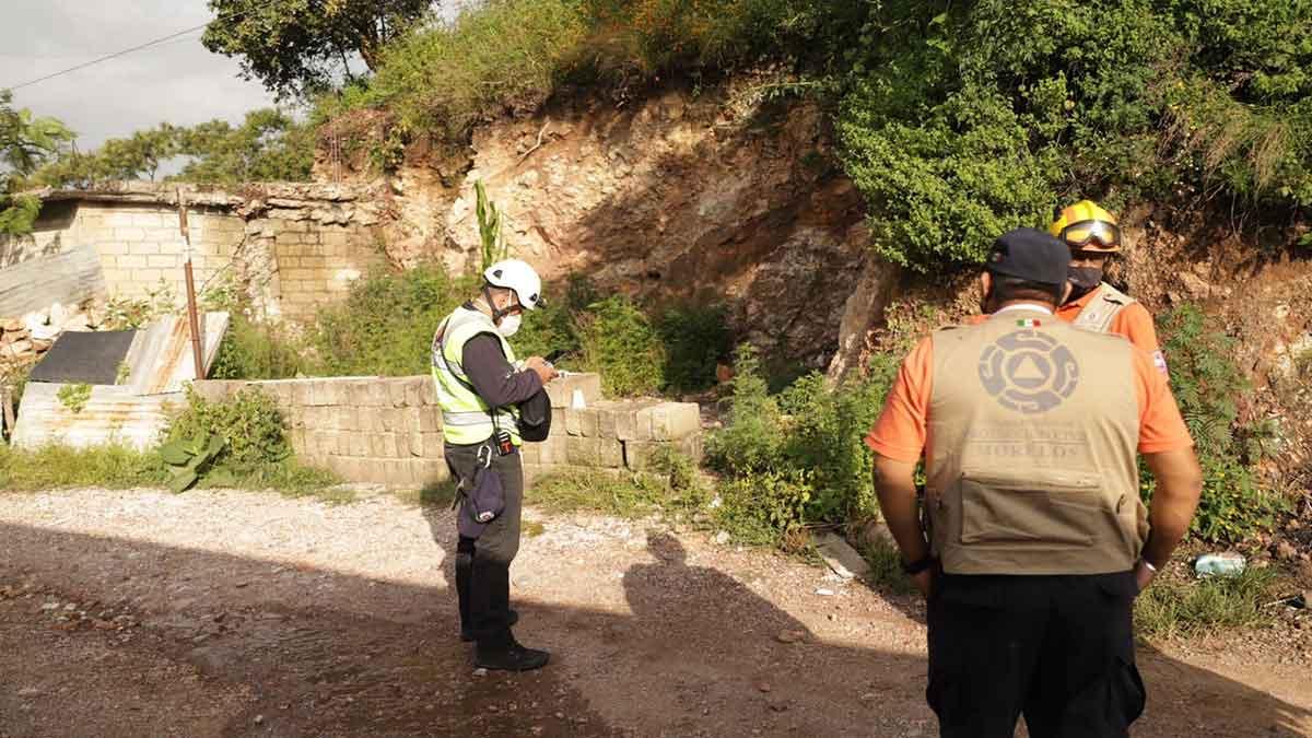 Morelos: Cerro se desgaja en Jiutepec y desalojan colonia