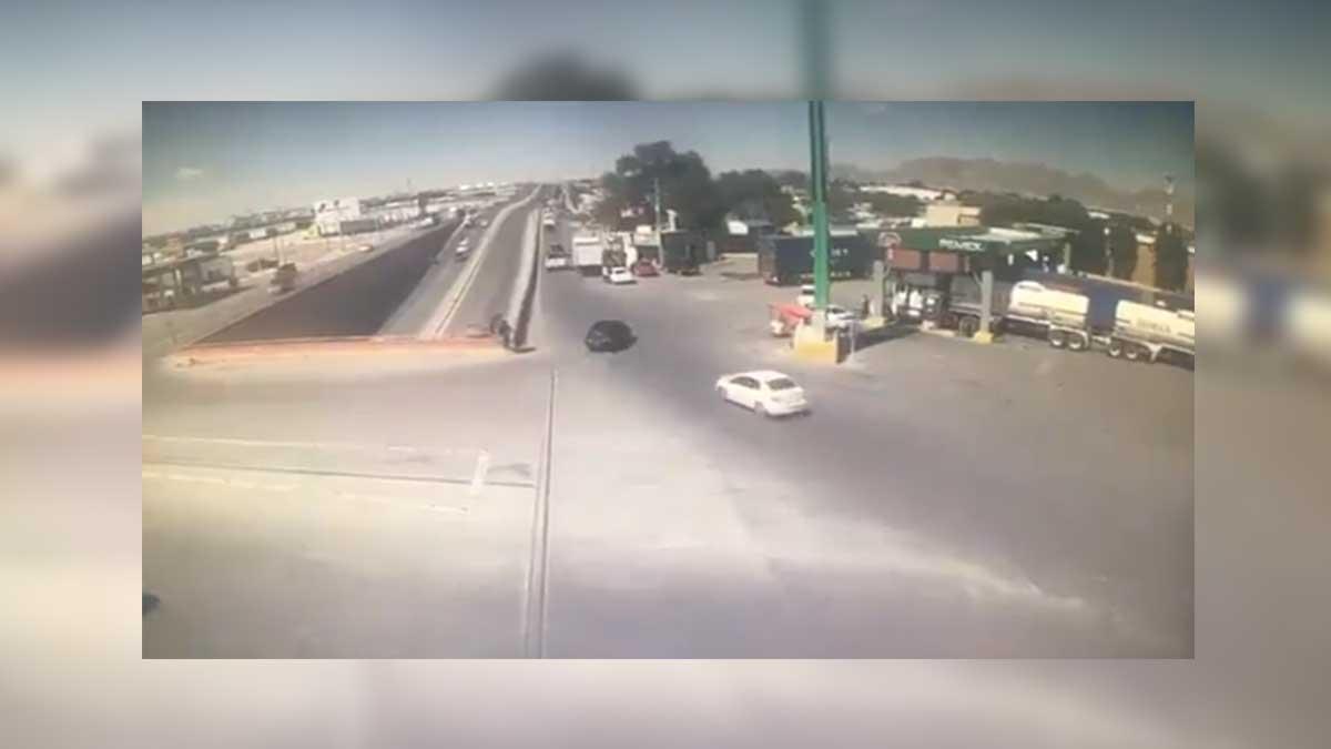 Chihuahua: mujer salta de auto en movimiento para escapar de expareja
