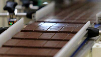 CDMX: liberan a adulto mayor tras robar un par de chocolates