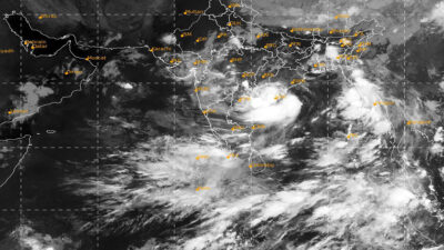 Dos muertos y miles de evacuados en India por ciclón Gulab