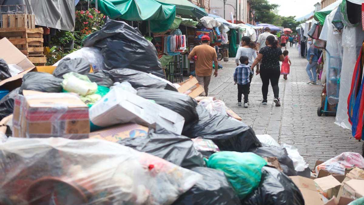 Oaxaca: Centro histórico de la capital se llena de basura