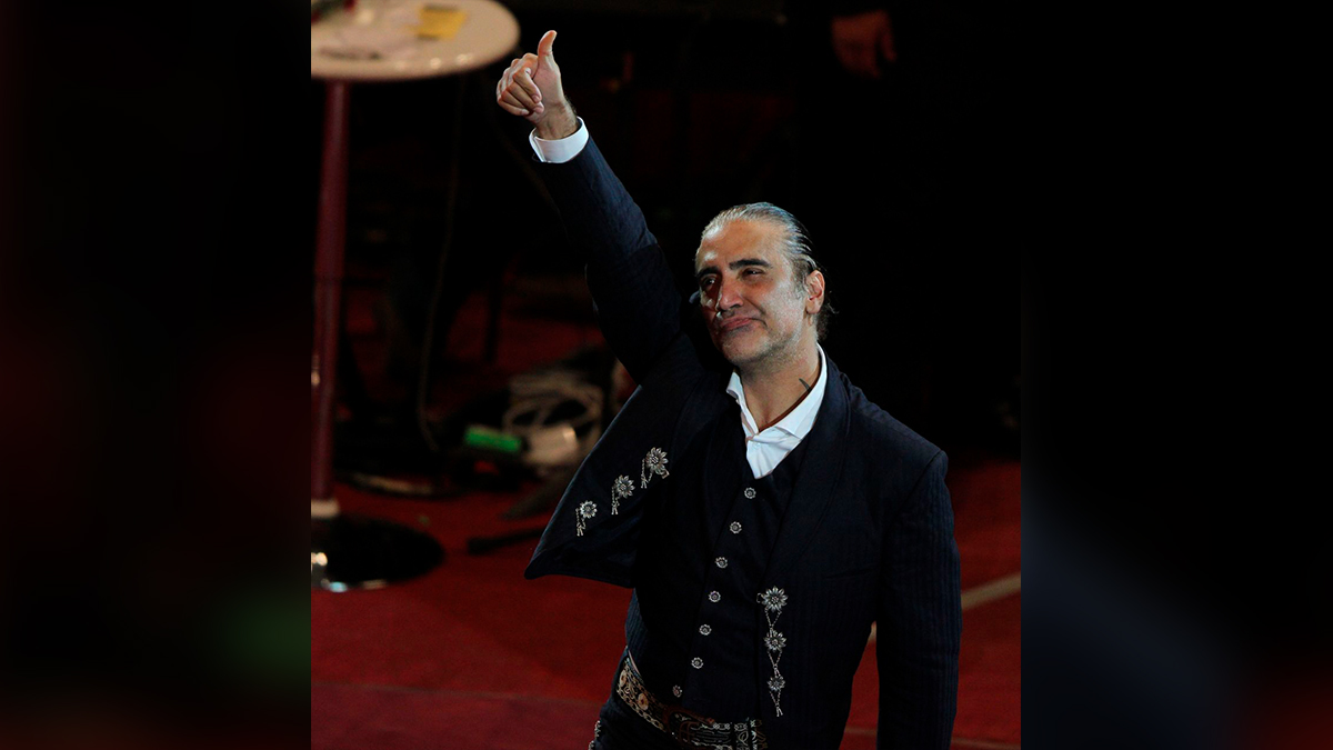 """Alejandro Fernández, el """"Potrillo"""", responde a críticas por su físico"""
