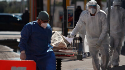 COVID en México alcanza récord de muertes en tercera ola