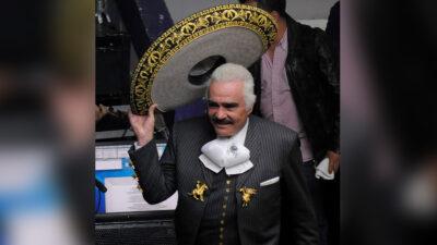 Vicente Fernández manda mensaje a sus fans; agradece oraciones