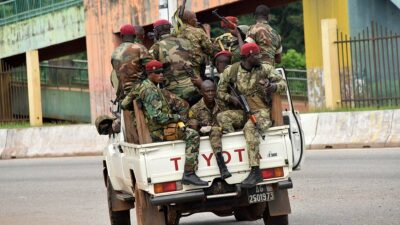 Golpe de estado de Guinea: insurgentes capturan al presidente