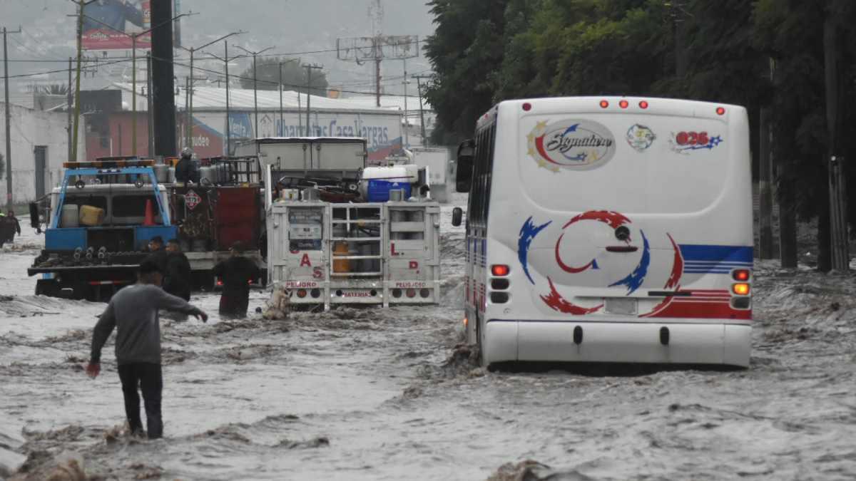 Les llovió sobre mojado: lluvias causan inundaciones importantes en al menos tres municipios del Edomex