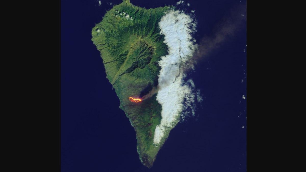 El sorprendente camino de lava que dejó el volcán Cumbre Vieja visto desde el espacio