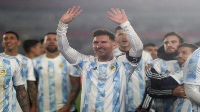 Lionel Messi rompe récord de Pelé y así fue su reacción