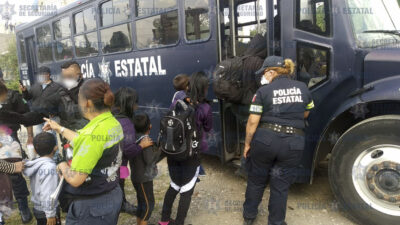Rescatan a 42 migrantes encerrados en casa de Edomex
