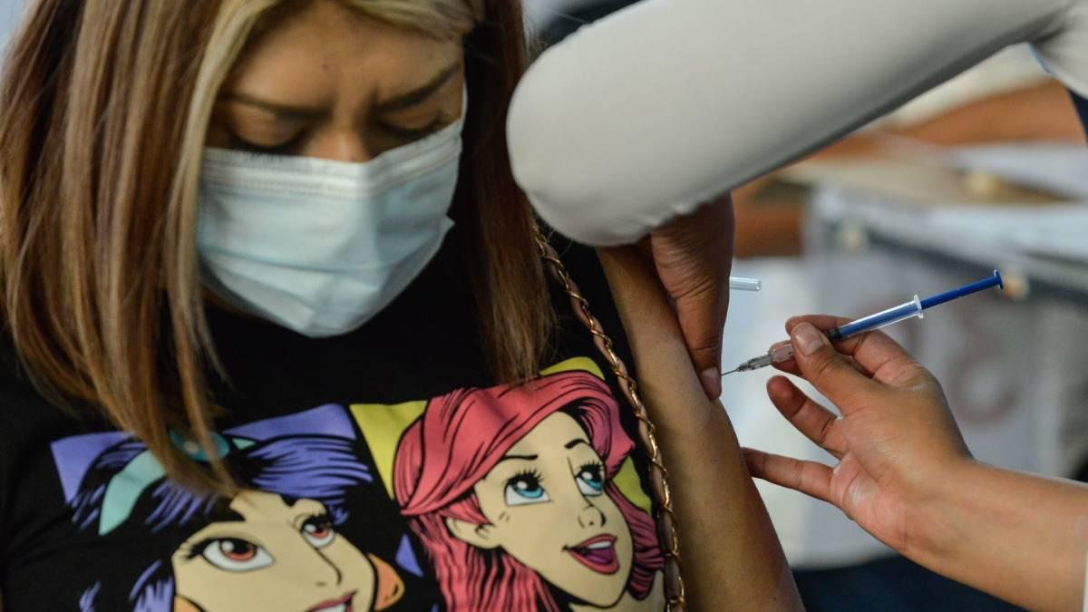 UNAM vacunas variantes