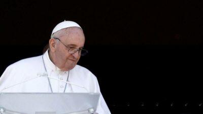 Papa Francisco renuncia