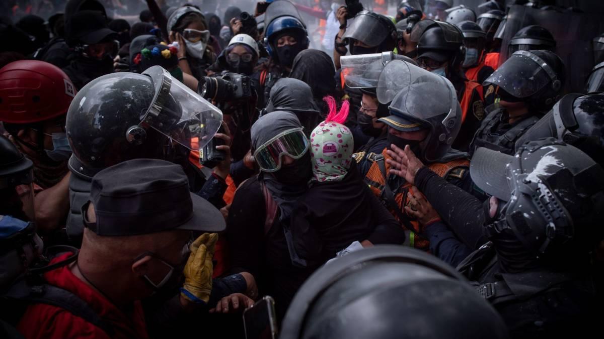 Sheinbaum policías manifestación
