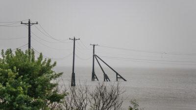 Tormenta tropical Nicholas se debilita tras desembarcar en Texas