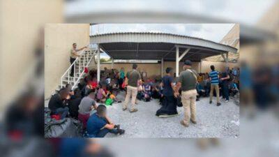 Nuevo León: rescatan a 327 migrantes hacinados en casa de seguridad