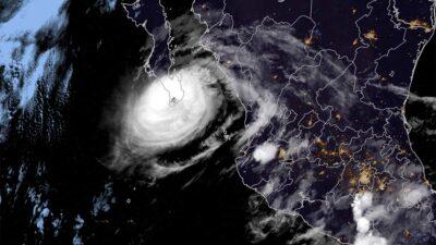 Olaf tocó tierra la noche del jueves en Los Cabos (noroeste) como huracán categoría 2