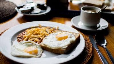 Desayunar: esto dice Harvard sobre los riesgos a la salud por no hacerlo