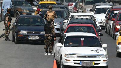 Talibanes siguen sin nombrar Gobierno en Afganistán, persisten combates