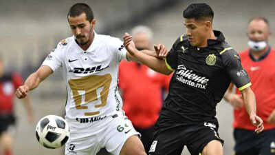 Pumas y Chivas no pasan del empate sin goles