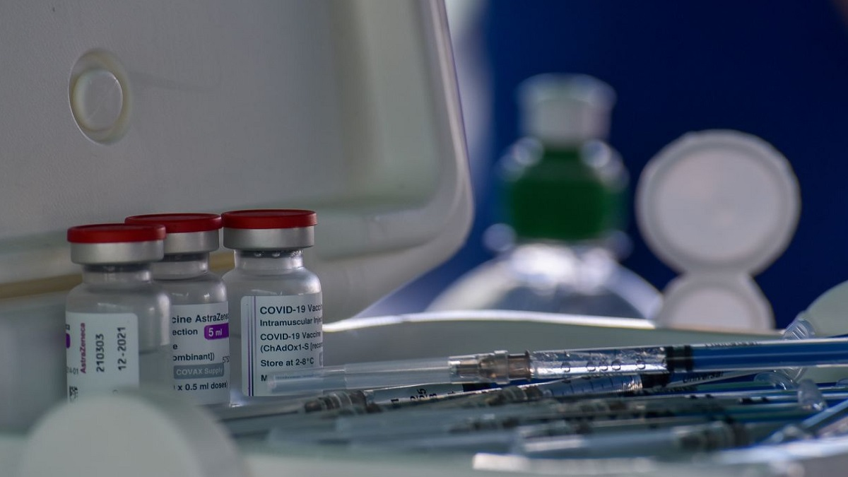 Senado va por prisión para quienes alteren vacunas contra COVID-19