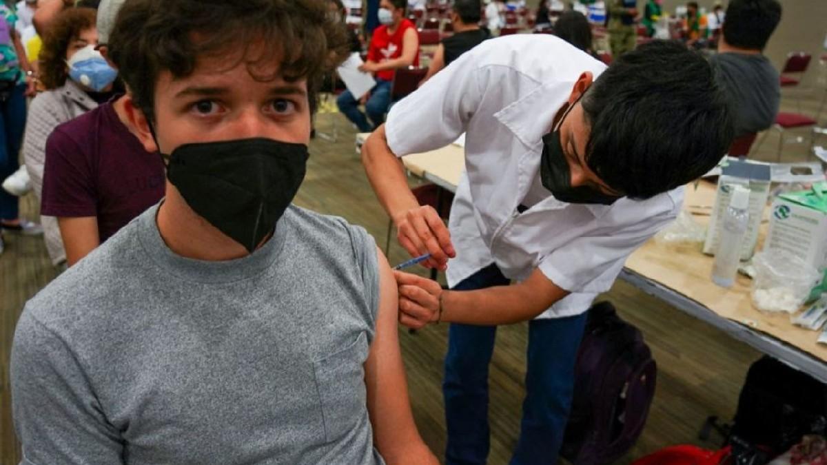CDMX: Alcaldías que aplican vacuna COVID a personas de 18 a 39 años