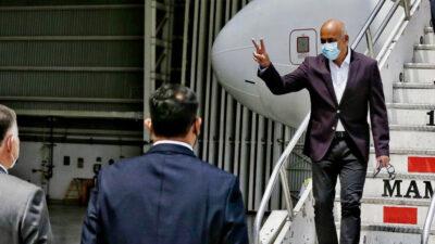 Comisión de Nicolás Maduro llega a México para mesa de diálogo con oposición venezolana