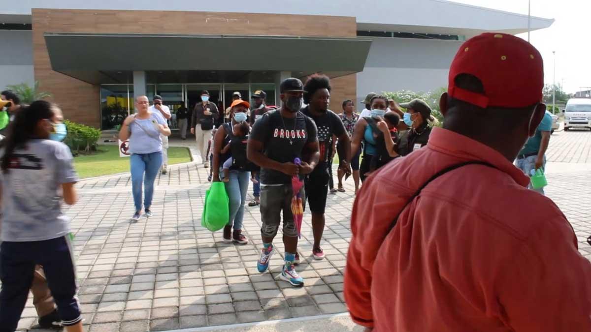 Veracruz: operativo deja un taxista y 237 haitianos detenidos