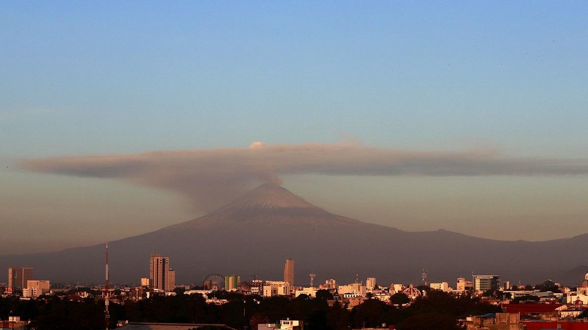 CDMX: Popocatépetl lanza fumarola y ceniza cae en estas alcaldías