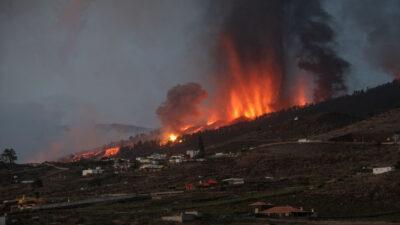 Volcán Cumbre Vieja: humo de la erupción es captado por satélites