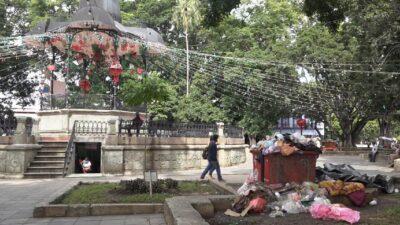 Oaxaca padece acumulación de basura tras suspensión de la recolección