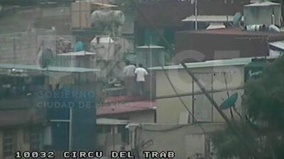 CDMX: Intentan huir por la azotea pero detienen a ladrones