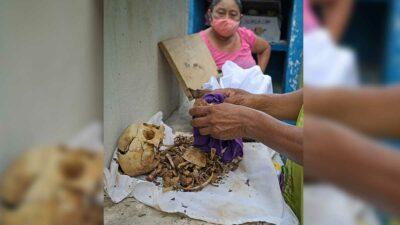 Panteón de Pomuch, en Campeche, recibe a los muertos limpiando sus huesos