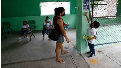 Secretaría de Salud descarta repunte de COVID por regreso a clases presenciales