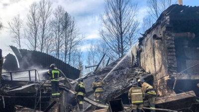 Rusia: Quince muertos deja incendio en una fábrica de explosivos
