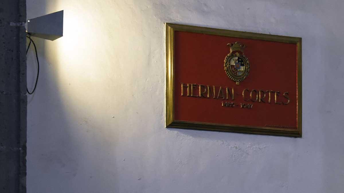 Exige Vox que México rinda tributo al conquistador Hernán Cortés