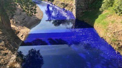 Río Tula se pinta de azul en Hidalgo; imágenes se viralizan