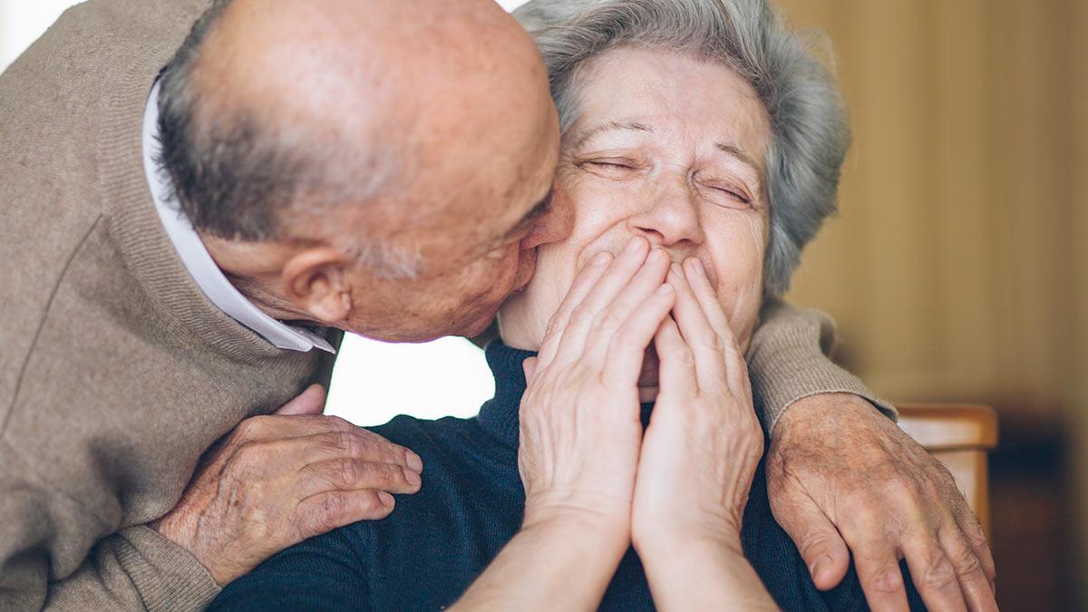 Cuidados paliativos: ¿Adulto mayor en casa?, ve cómo cuidarlos
